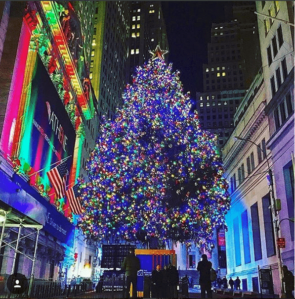 National Flag & Display produces Custom Banners at the New York Stock Exchange in front of the 2016 NYSE Christmas Tree